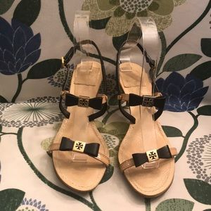 Tory Burch two tone tans and black heels